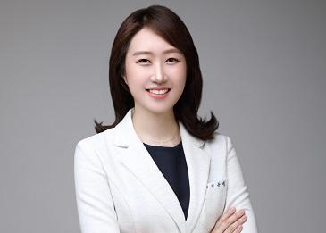 박유영원장님 사진-3.jpg